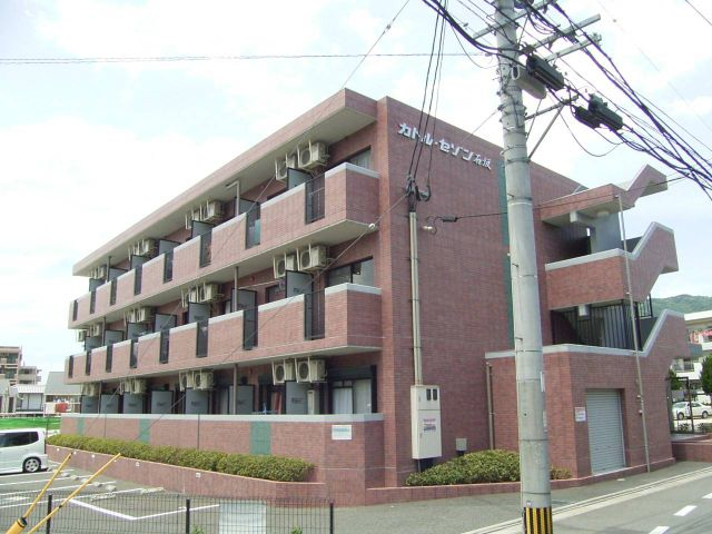 福岡県太宰府市石坂1丁目1K