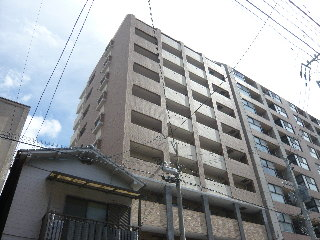 福岡市空港線 中洲川端駅(徒歩4分)
