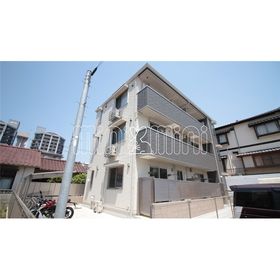 福岡市空港線 博多駅(徒歩21分)
