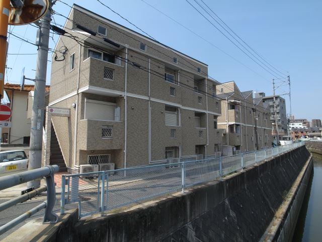 西鉄天神大牟田線 西鉄福岡(天神)駅(バス15分 ・清水町停、 徒歩5分)
