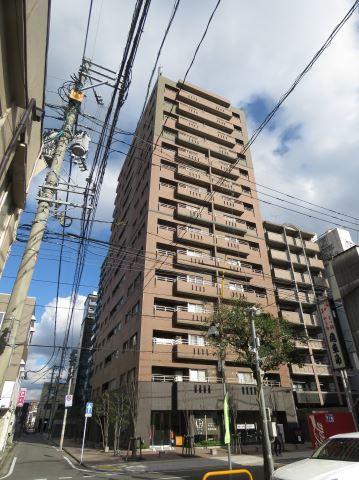 西鉄天神大牟田線 西鉄福岡(天神)駅(徒歩17分)