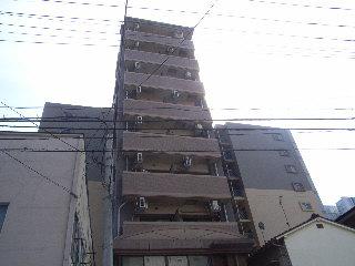 福岡市空港線 博多駅(バス12分 ・那の川停、 徒歩3分)