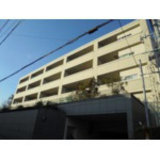 鹿児島本線 博多駅(バス15分 ・山荘通停、 徒歩8分)