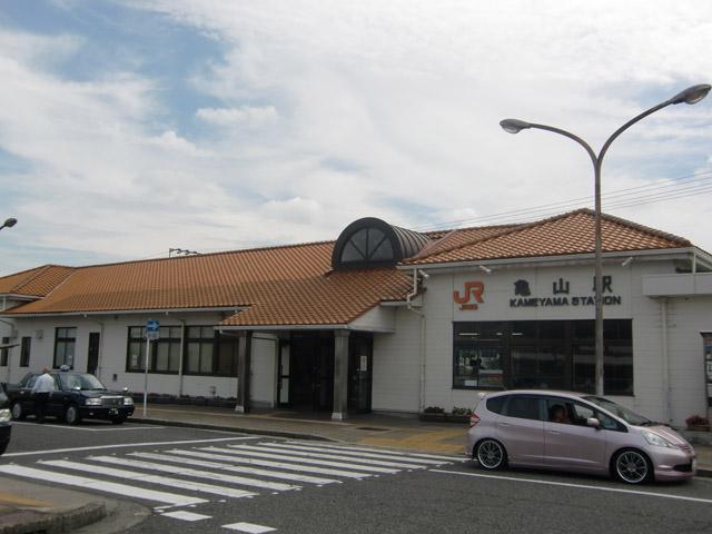 亀山駅のエリア情報1